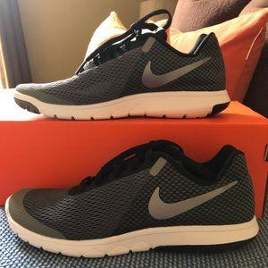 Nike Flex size 8